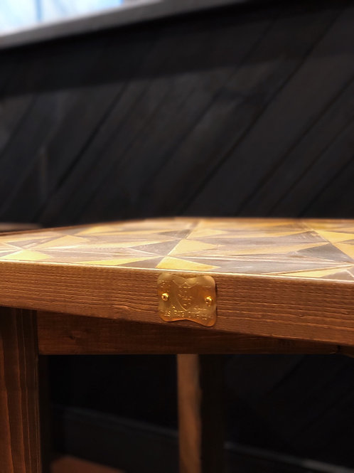 LARGE COFFEE TABLE (WOOD PATTERN TOP)