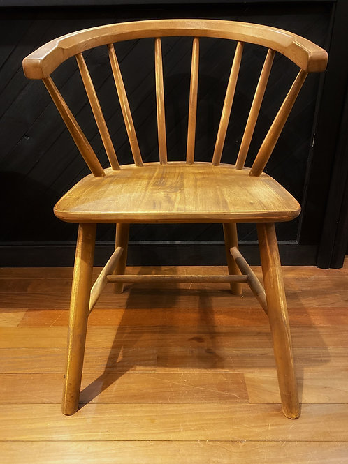 ROUND WINDSOR CHAIR
