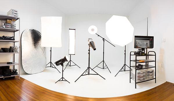 Estúdio de fotografia publicitária em Campinas. Fazemos retraos, fotos de beleza e fotografia e moda.