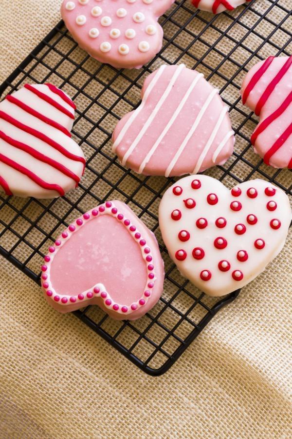 Este 14 de febrero celebralo en alguna de nuestras sucursales, tendremos decorado de galletas y mucha diversión