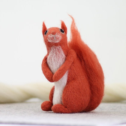 Red Squirrel Needle Felting Kit - Hawthorn Handmade