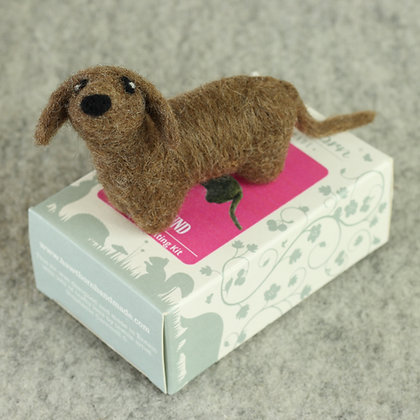 Dachshund Brooch Needle Felting Kit - Hawthorn Handmade