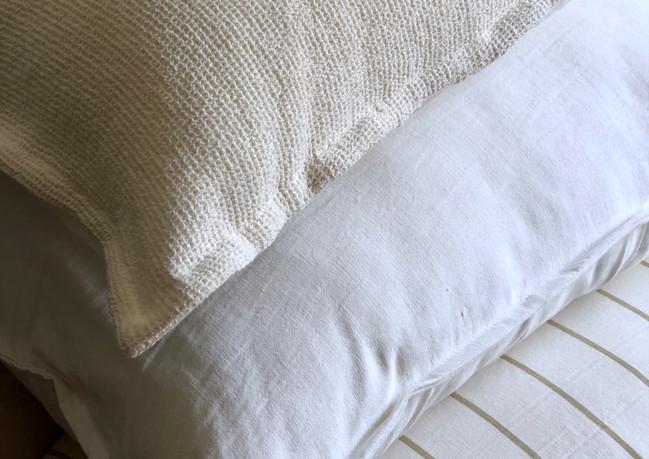 almohadon nido off white.jpeg