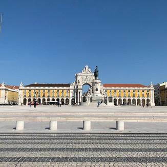 Lisbon: #Staythefuckhome