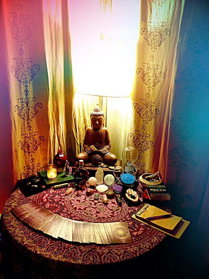 Altar at a spot in Seattle I read tarot at years ago.