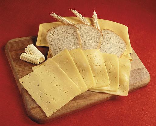 Bread_Cheese_Cutting_board_Ear_botany_Sl