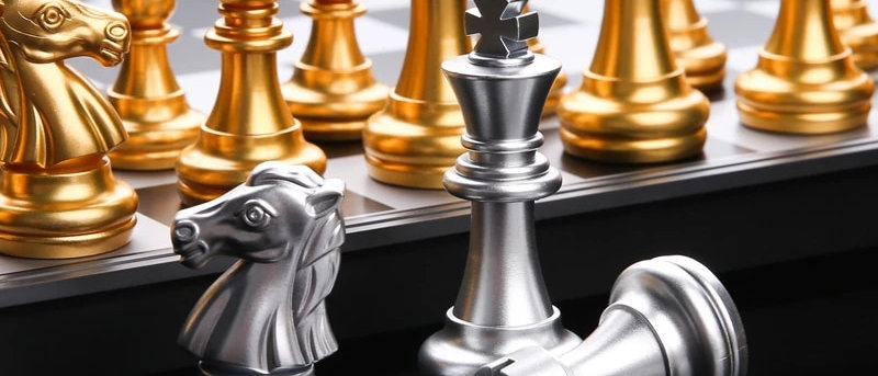 Magnetic Board Set With High Quality Chessboard 32 Pieces Gold Silver Chess