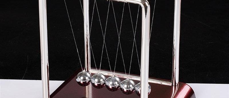 न्यूटन पालना संतुलन स्टील बॉल्स शिक्षण आपूर्ति पेंडुलम डेस्क खिलौना