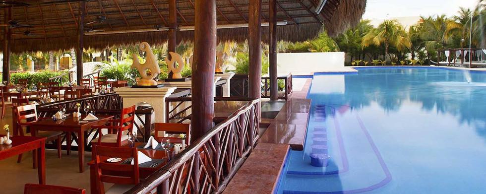 restaurant-royale-resortpage-HiRes.jpg
