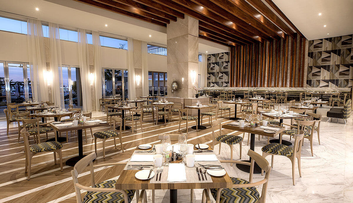 dining-bars-le-blanc-spa-resort-blanc-in