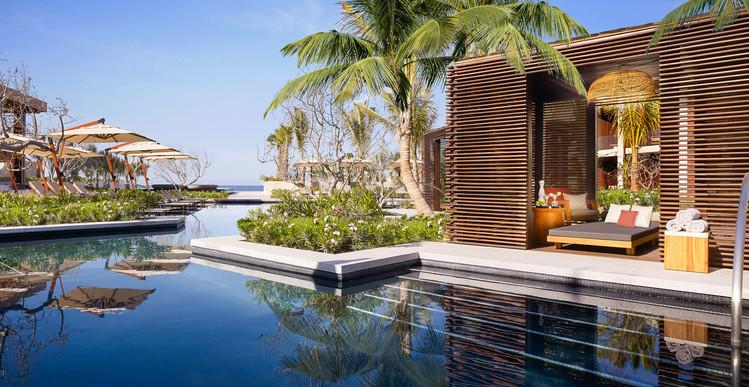 Copia de Nobu Hotel Los Cabos - Pacific Pool Cabana.jpg