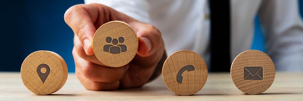 business-customer-service-concept-4FBV7W
