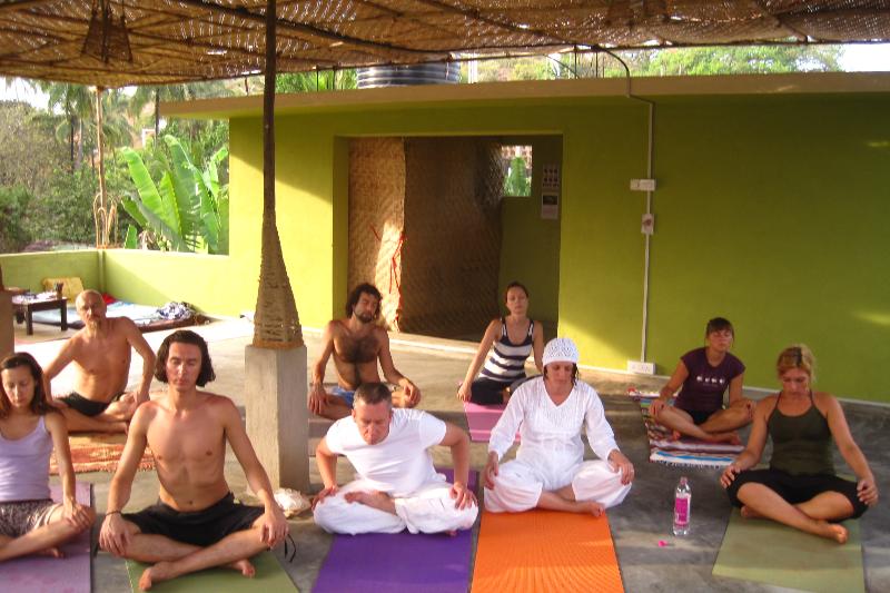 йога в гоа yoga roof