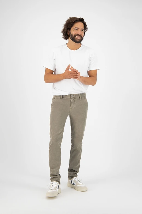 MUD Jeans Dunn Chino Olive