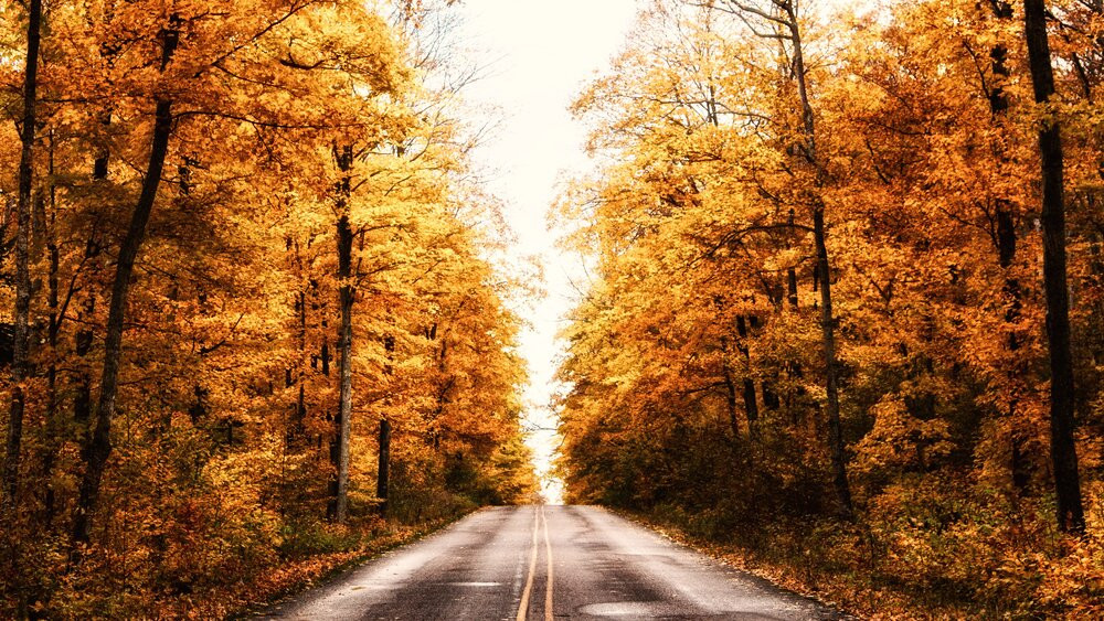 pictured-rocks-road-fall-colors.jpg
