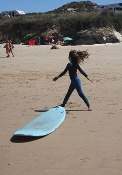 Surf lessons for kids and adults in Alen
