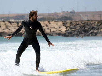 A great place with a relaxed vibe. Superfriendly host and staff. Surf lessons with detailed individual coaching!