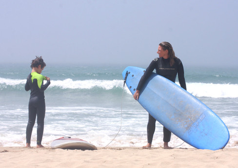 Surf lessons for the whole family_Alente