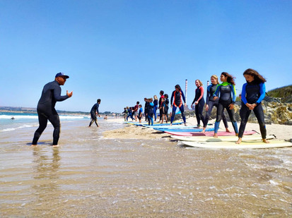 Surf lessons under the professional guidance and with a good company