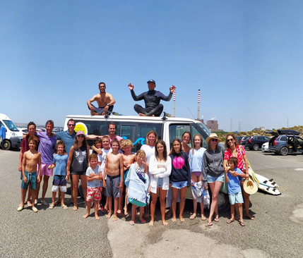 Surf with friends, surf with family!