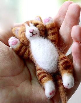 felting kit cat orange.jpg