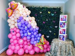 Balloons Hedge wall