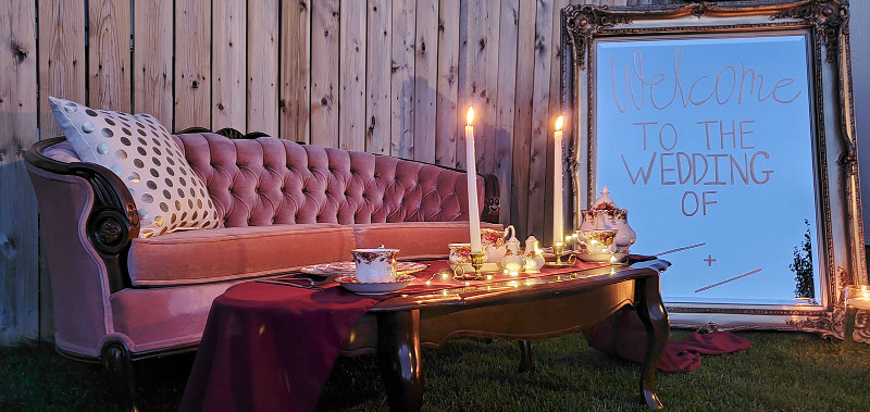 wedding vintage rentals and lounge furniture