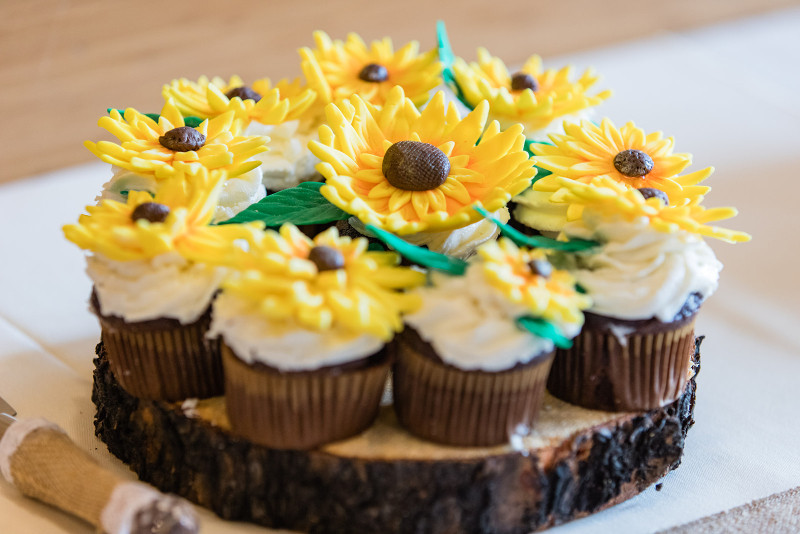 wedding cupcakes as wedding favors