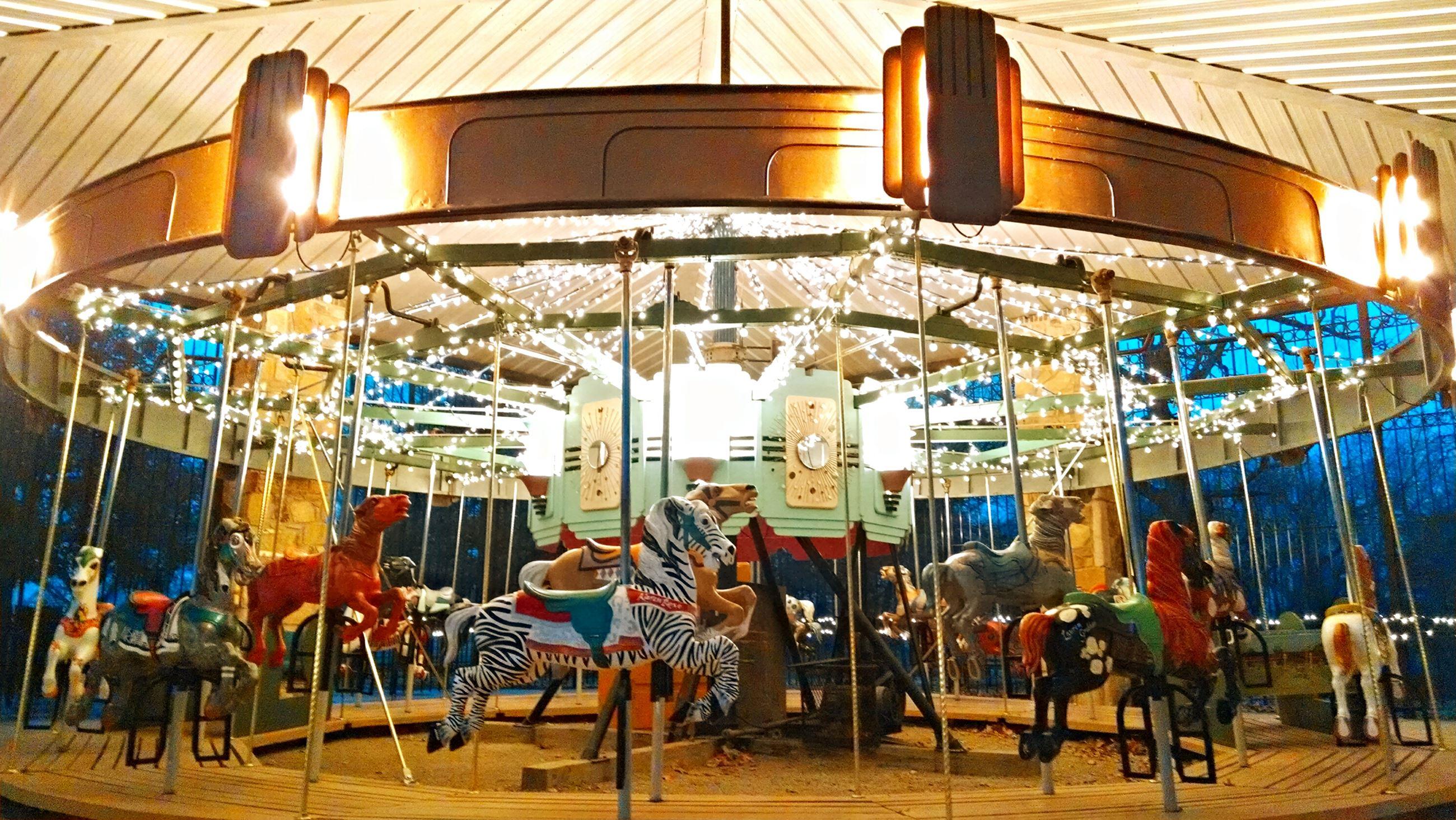 Independence riverside-park-carousel