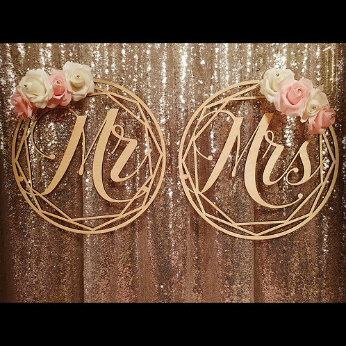 Mr & Mrs Round Sign Set