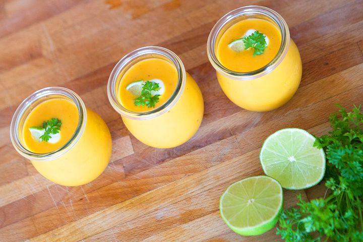 Soupe de carottes au lait de coco et citron vert