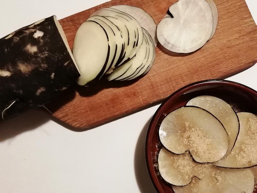 Laure Sapey - Naturopathe Lyon Grenoble | recette santé naturelle: délicieux sirop de radis noir DIY