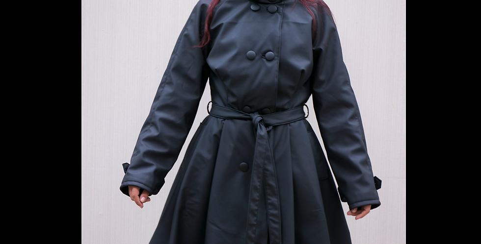 186633** Rain coat.