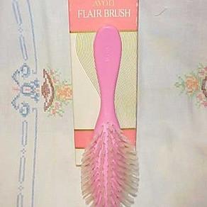 zoe hair brush.jpg