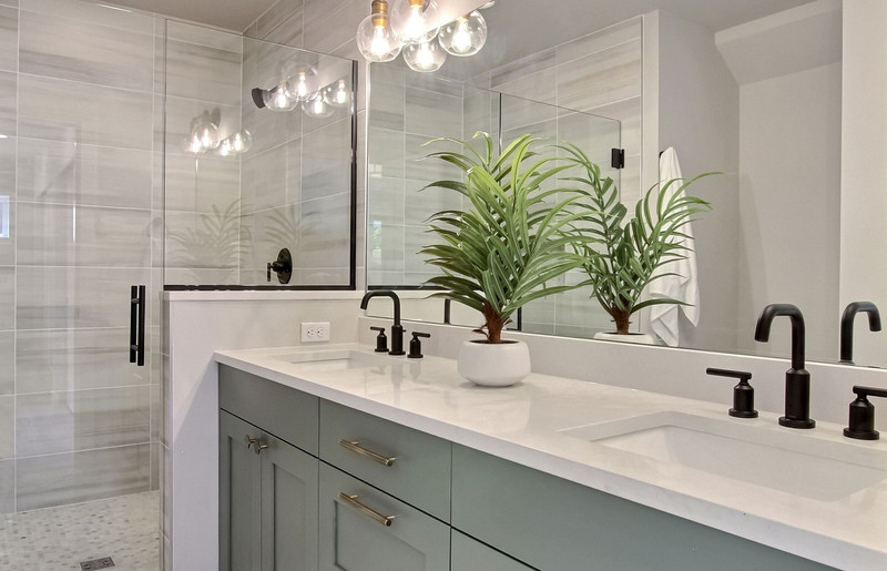 exposio_07_master_bathroom_02_12530b_20t