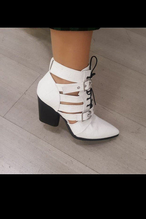 Козаки обувь