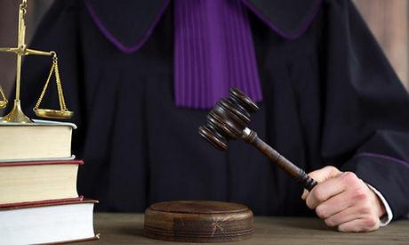 judge02.jpg