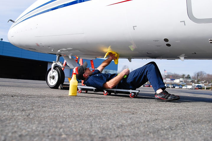 Aircraft-Belly-Cleaning.jpg