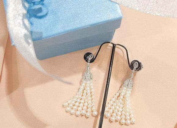 Cutie fresh water pearl dancing earrings