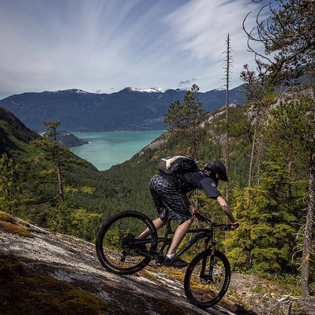 What to Pack on a Mountain Bike Ride