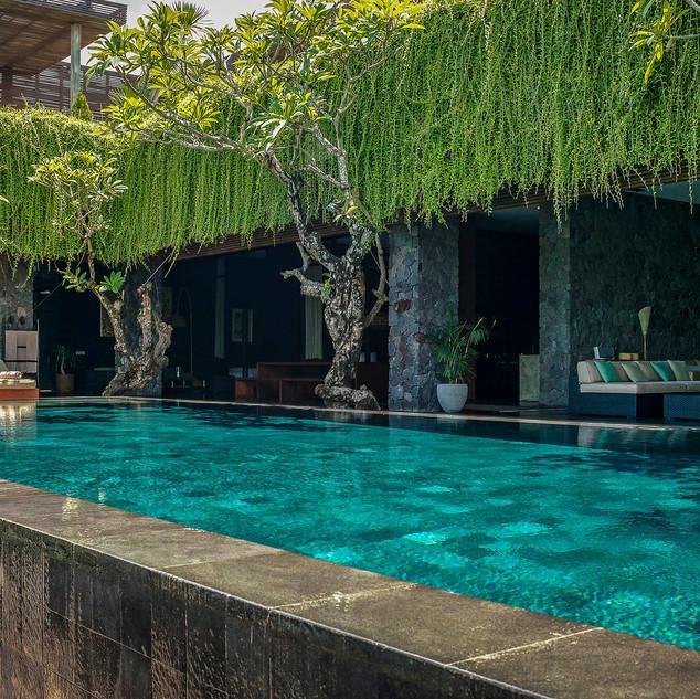 Villa-Mana-Open-spaces-poolside.jpg