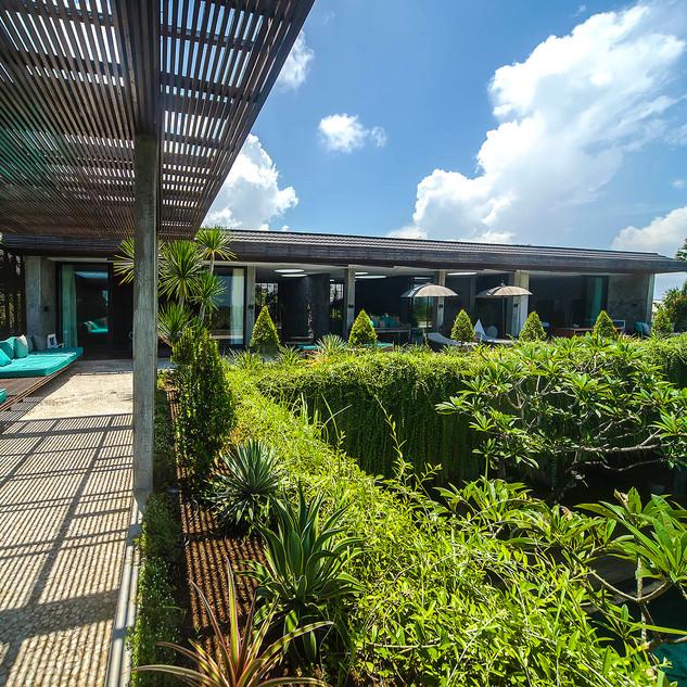 Villa-Mana-Upstairs-terrace.jpg