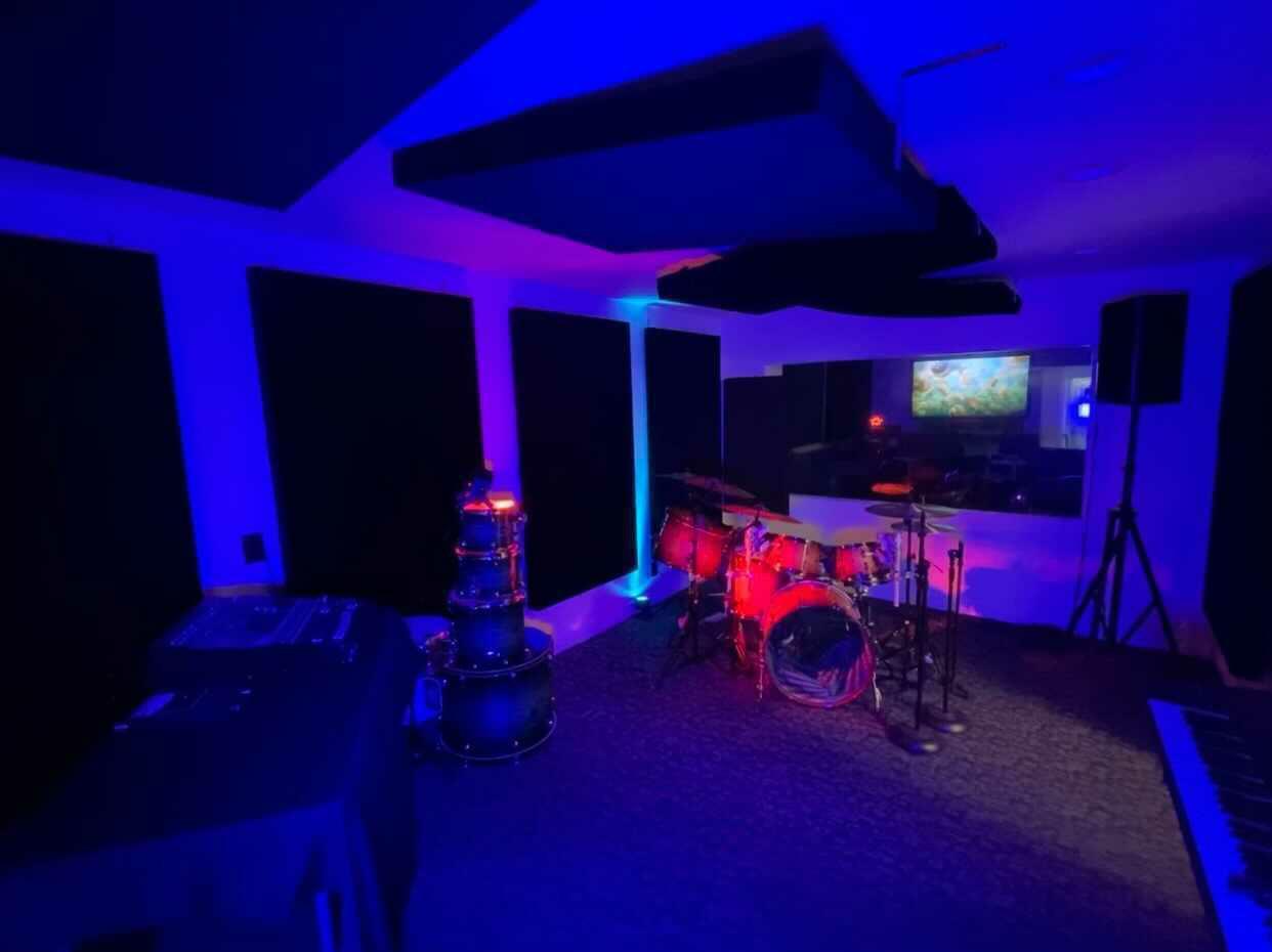 Galaxy Room 1.jpg