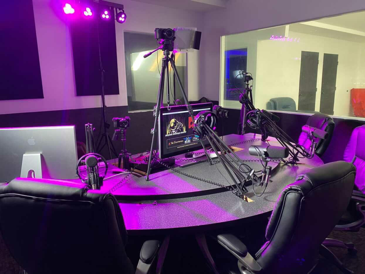 Saturn Podcast Room 6.jpg