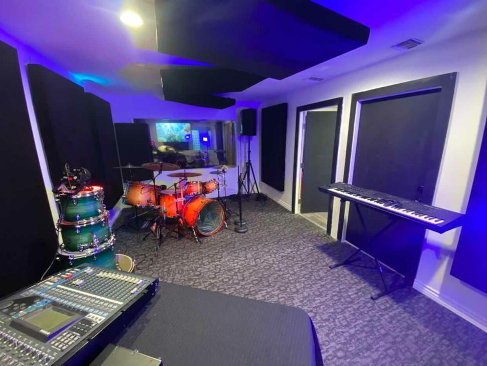 Galaxy Room 3.jpg