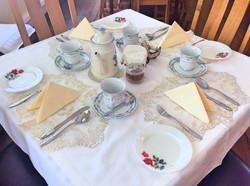 Wellington House Dining Room Table Setting