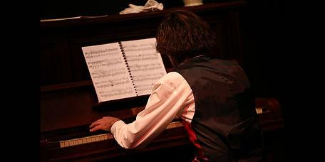 Chopin_Piano.jpg
