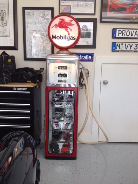 Gas pump display case