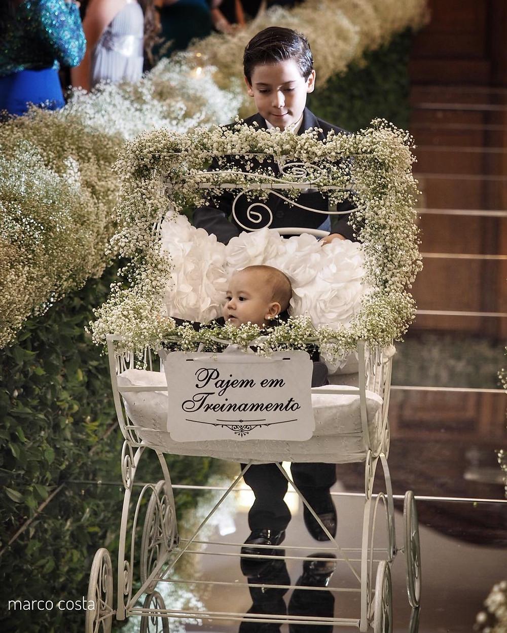 entrada-de-casamento-daminhas-e-pajens