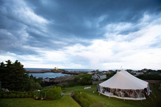 Sperry Tent Seacoast at The ViewPoint Hotel. Outdoor Maine Wedding Venue